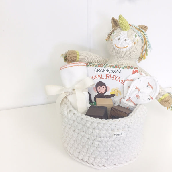 PARTY BABY Gift Basket