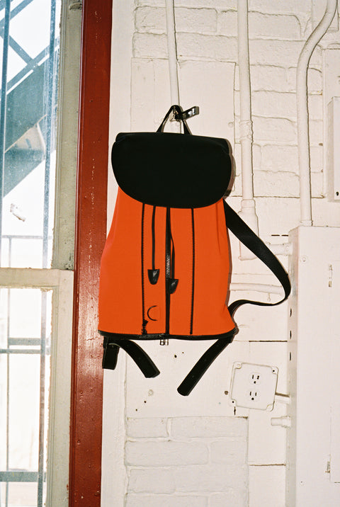 BACKPACK IN BLACK LEATHER & NEON ORANGE MESH