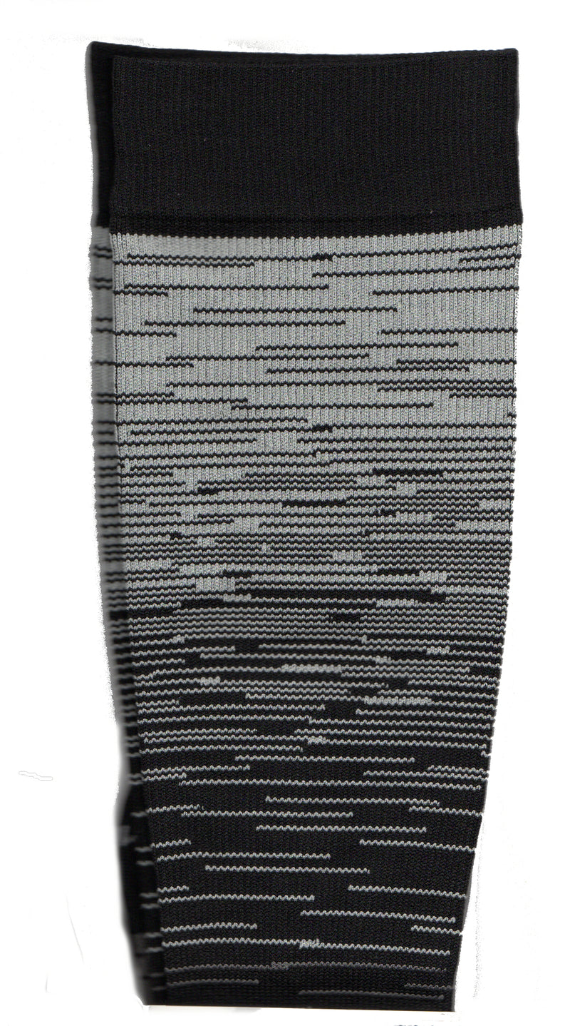 Dr Motion Sports Compression Mega Ombro Stripes means shades of stripes in Black and Grey. The Greys move through the Black in Light, Medium and Dark Shades. The Cuffs, Heels and Toes are Black.