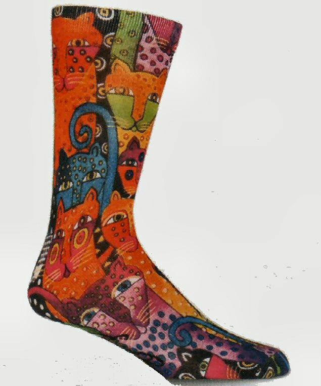 Mens Laurel Burch Polka Dot Leopard Sock is full of bright colors. Leopards jump off this sock in Oranges, Yellows, Limes, Purples, Blues, Black and White. Dots are all over from head to tail.