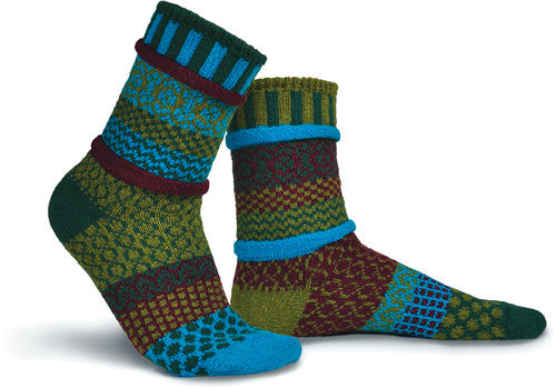 Solmate Socks Stellar Series Luna Sock is a Mismatched Sock that gives the feeling of being outside as the colors change from bright to darker Hues. The Colors in this sock are Forest Green, Turquoise, Bamboo Green and Burgundy.