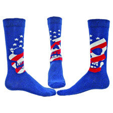 Wright Avenue Mens American Skull Sock starts on a Navy Blue background with a Skull on the Sock. The Head has Navy Blue and White Stars then starts the White and Red Stripes of the American Flag.