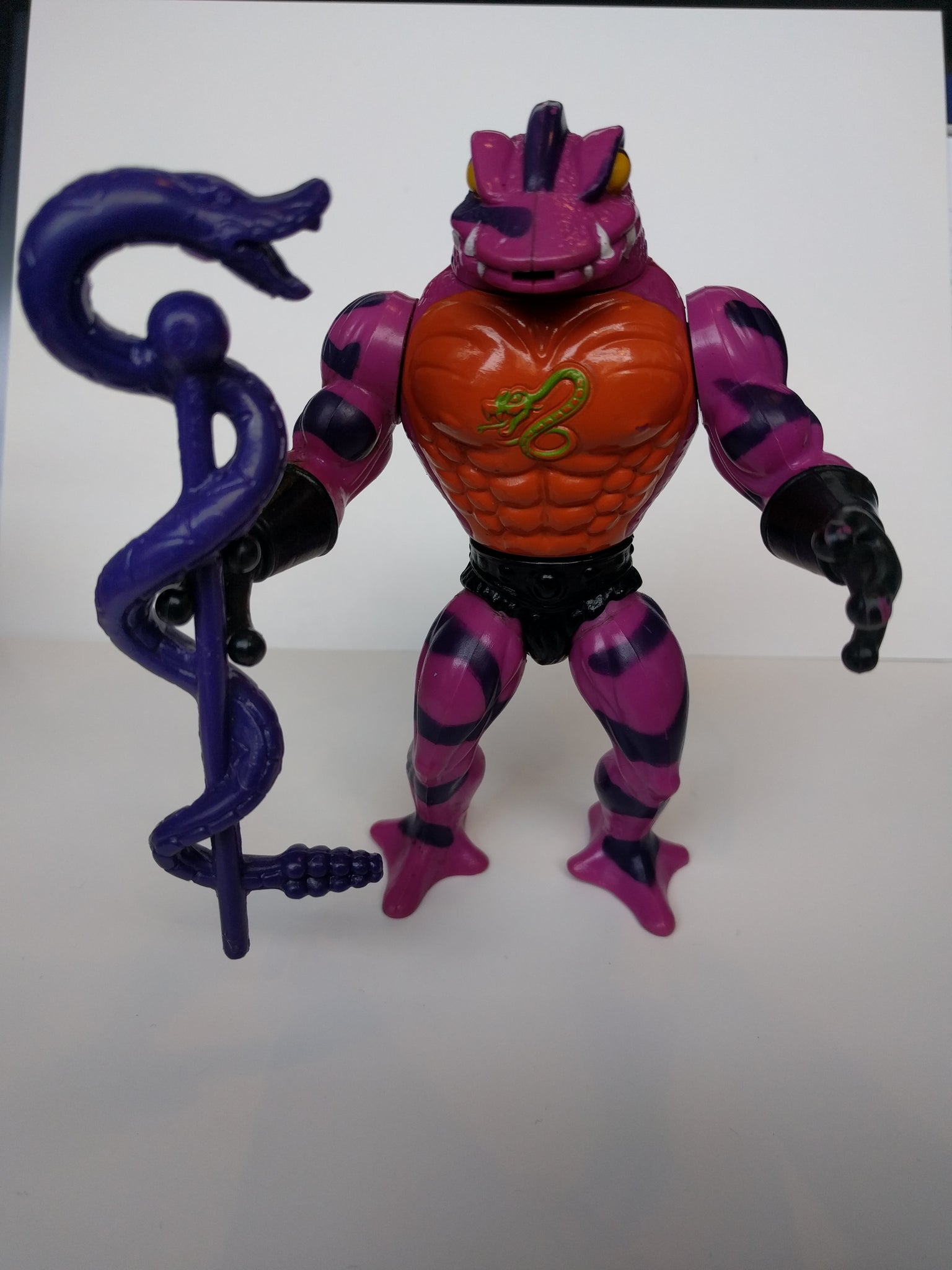 Masters of the Universe: Vintage Tung Lashor Figure with staff