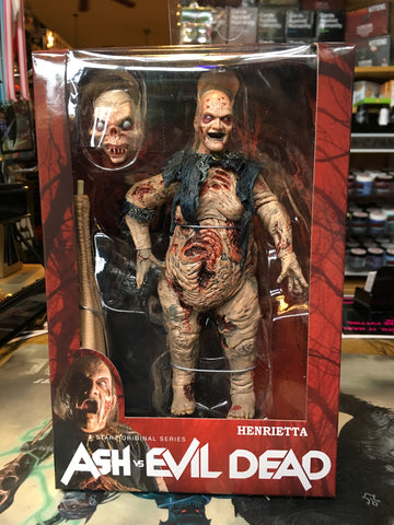 Ash vs the Evil Dead : Henrietta Figure NECA