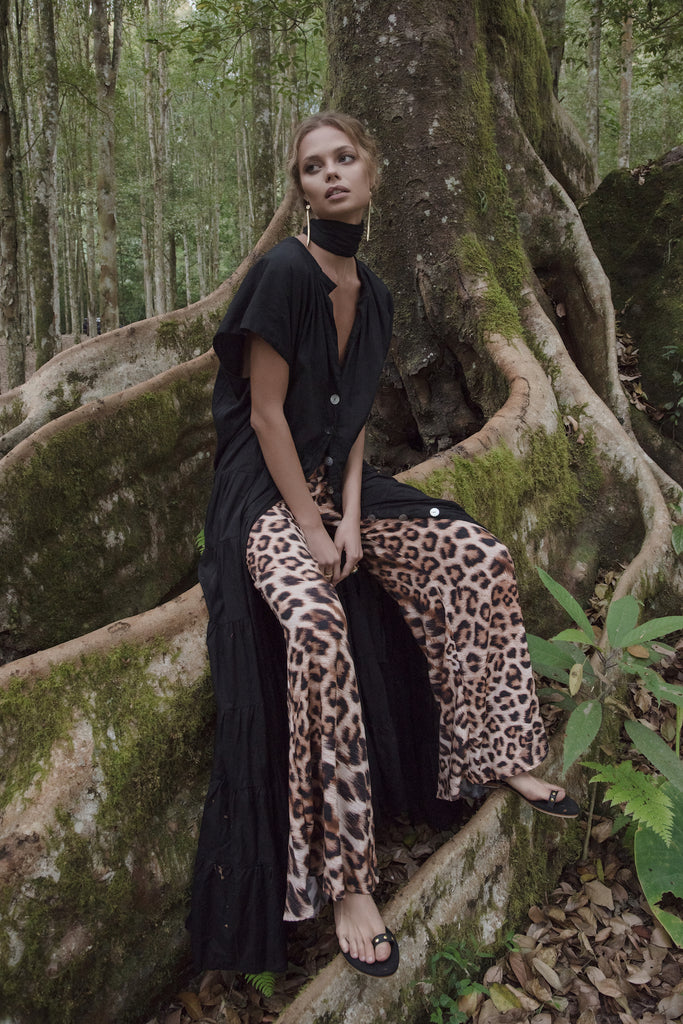 https://erikapena.com/collections/rimba-animales-collection/products/pya-animal-high-waisted-pant