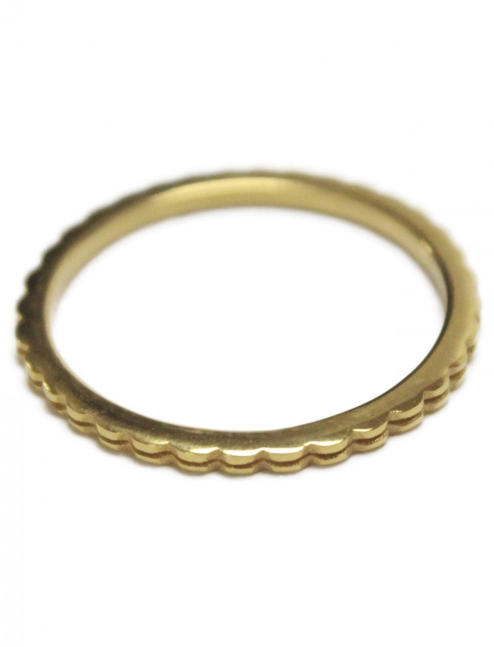 Thin Stack Wave Ring
