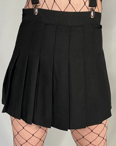 Basic Black Pleated Skirt