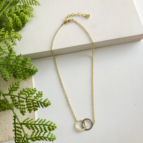 interlinked gold necklace