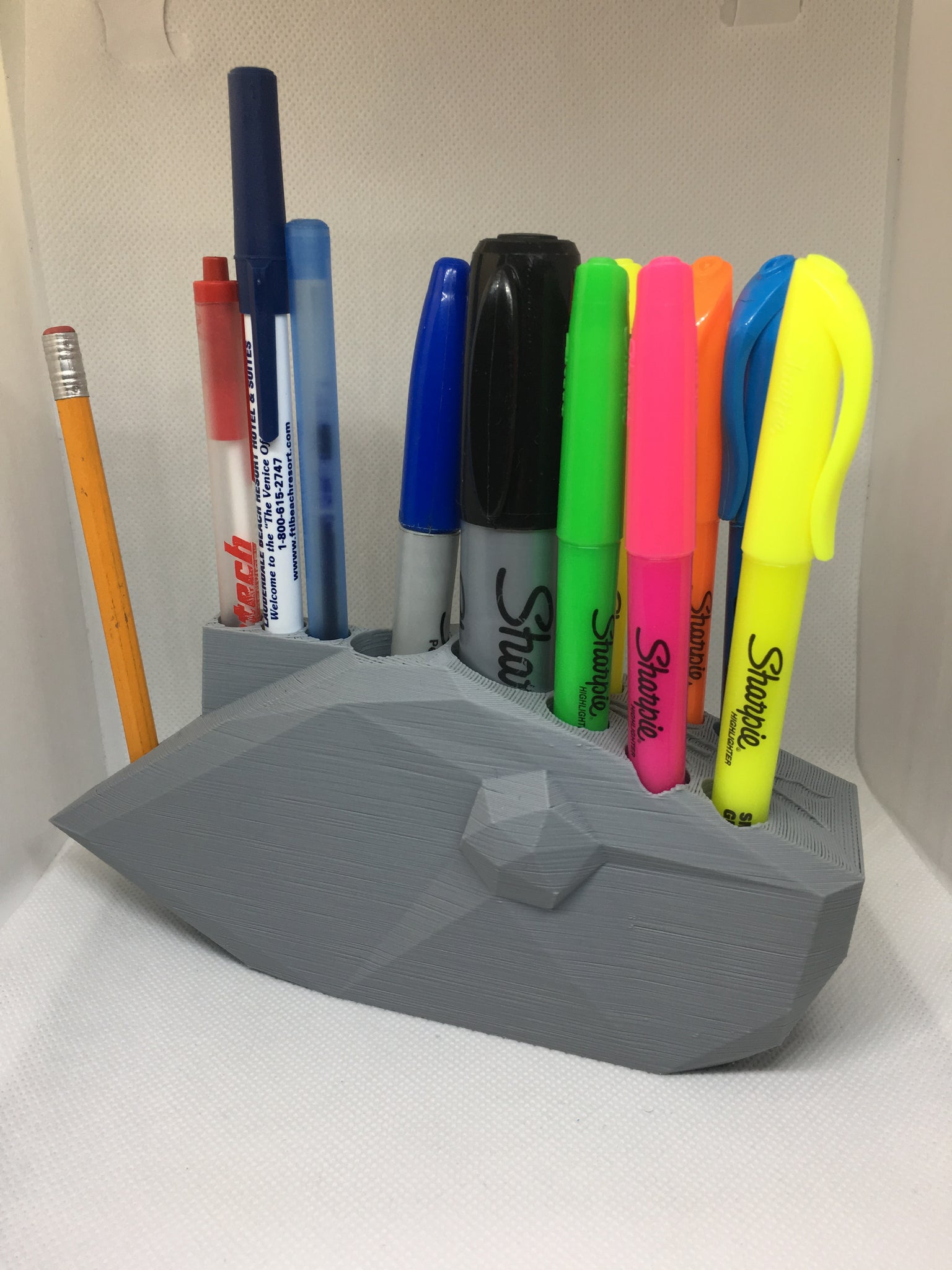 FISHING LURE PEN HOLDER LOW POLY VERSION 3 (STL FILE)