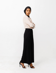 Zaina Pleated Pencil Skirt in Classic Black