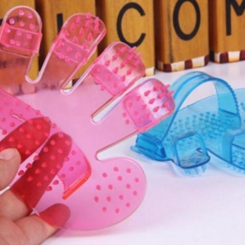 Palm Shaped Pet Cleaning Brush