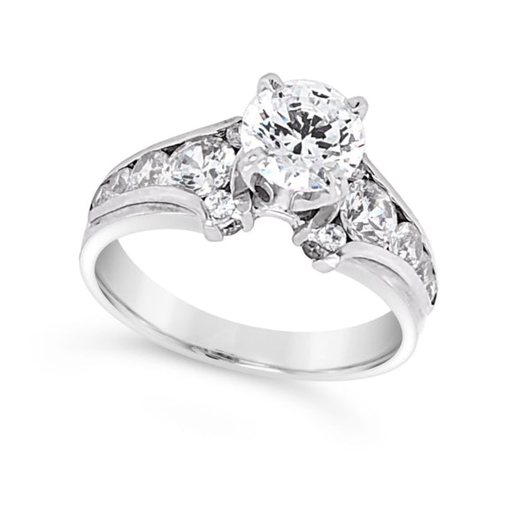 Channel Set Tapered Edge Diamond Engagement Mounting