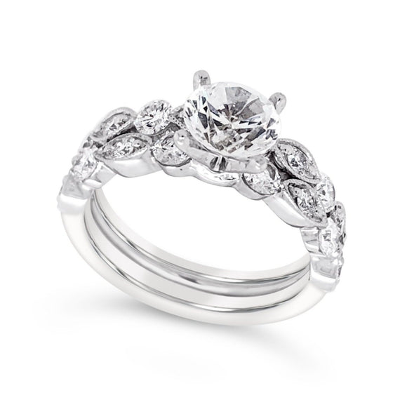 Tapered Design Diamond Engagement Mounting and Matching Wedding Band
