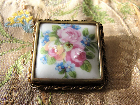 Beautiful  PORCELAIN  LIMOGES BROOCH ,Signed Limoges France ,Gorgeous Pink Roses, Ornate Brass Frame, Antique French Jewelry, Collectible Antique Jewelry