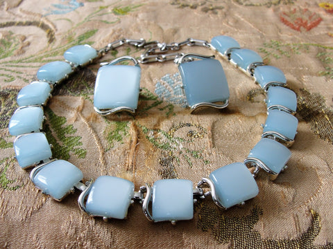 BEAUTIFUL 1950s Signed Designer CORO Blue Lucite Thermoset Panel Necklace and Earrings Set,Light Blue Moon Glow, Silver Tone Metal Necklace, Wear or Collect Vintage Costume Jewelry, Collectible Jewelry