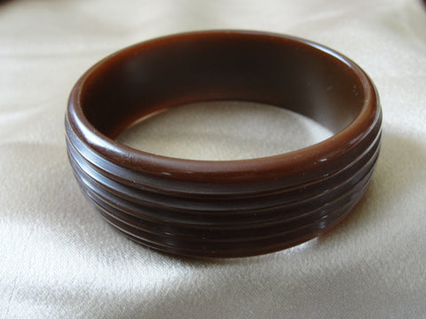 Copy of GORGEOUS Art Deco Deeply Carved Bakelite Bracelet,Butterscotch Yellow Bakelite Bangle,Beautiful Stylized Design,Collectible Bakelite Jewelry