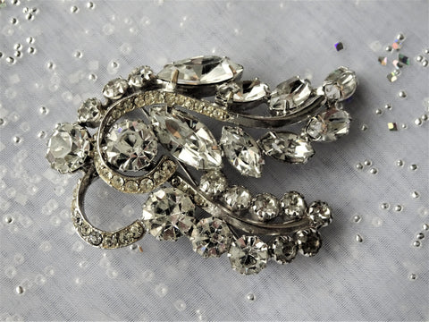 STUNNING Vintage Ice White Glass Rhinestone Brooch,Vintage Wedding Pin,Large Formal Brooch,Bridal Jewelry,Wedding Jewelry,Collectible Mid Century Jewelry