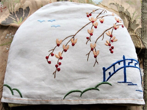 BEAUTIFUL Vintage 1920s Art Deco Tea Cozy,Hand Embroidered Blue Willow Design Tea Cosy Includes Original Liner Perfect For Vintage Tea Time