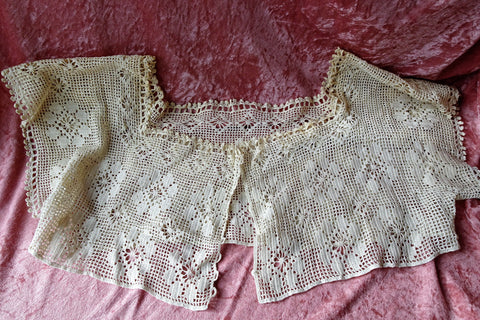 CHARMING Edwardian Hand Crochet Lace Corset Cover Top,Wear As Crop Top,Use in Heirloom Sewing, Farmhouse French Country Decor, Collectible