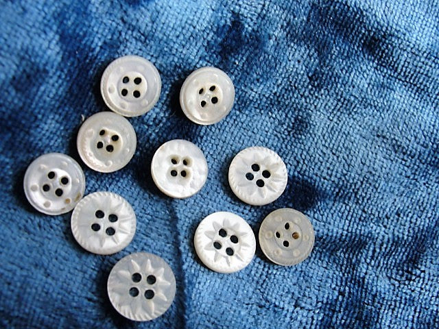 Antique Victorian Tiny Carved Mother Of Pearl Buttons Set Of 12