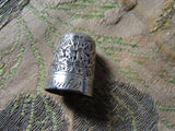 Beautiful Antique Thimble By CHARLES HORNER English Silver DORCAS Heavily Chased Daisy Pattern Collectable Sewing Needlework Tools