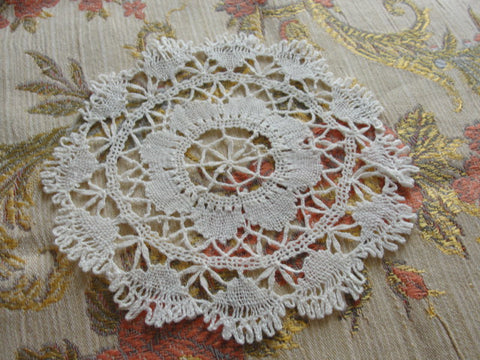 LOVELY Vintage Small Bobbin Lace Doily Very Pretty Handwork Perfect For Lace Doilies Collection Gift To Lace Doily Collector