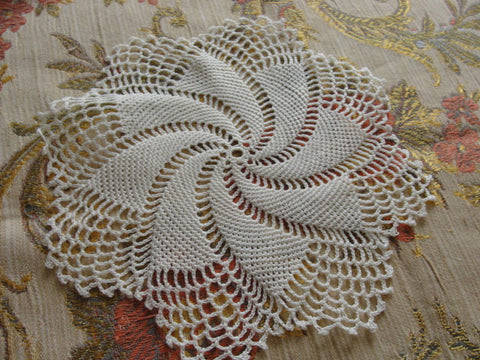LOVELY Vintage Fine Hand Crochet Lace Small Doily Beautiful Workmanship Add To Doilies Collection