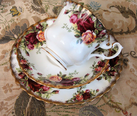 CHARMING Royal Albert Old Country Roses China Trio, Tea Cup, Saucer and Tea Plate Set,English Bone China, Tea Time, Collectible Teacups