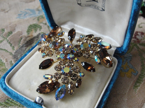 Vintage SHERMAN Signed Glittering TOPAZ Citrine Rhinestones Brooch,Prong Set,Brilliant Rhinestones,Dazzling Swarovski Crystal,Collectible Jewelry