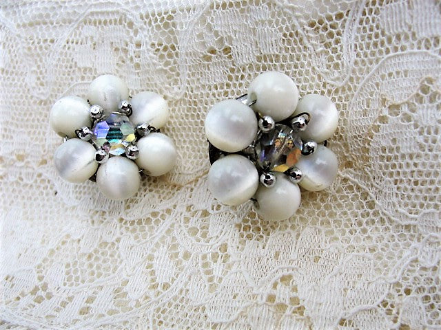1950s VINTAGE Glowing Silvery White Moonglow Earrings In A Silver Tone Setting Moonstone Cats Eye Look Cluster Clip Ons Clip Earrings Collectible Costume Jewelry