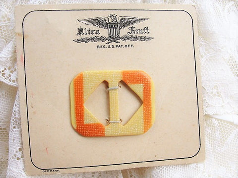 FABULOUS Art Deco 2 Tone Bakelite Vintage 30s Dress Belt Buckle, Original Display Card, 30s Dress Sewing Notions, New Old Stock, Early Plastic,Art Deco Collectible Sewing Notion