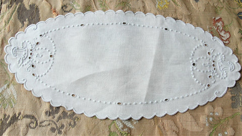 Lovely VINTAGE Madeira Creamer and Sugar Tray Cloth Mat Oval Doily Hand Embroidered, Flower Basket Seed Embroidery,Cottage Farmhouse, French Country Decor Vintage Table Linens