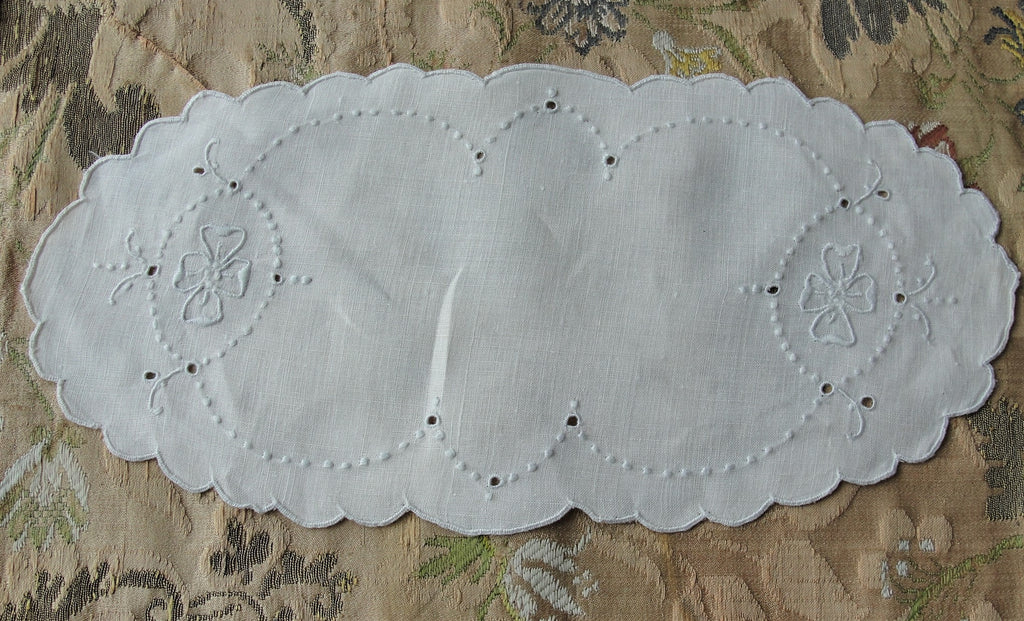 VINTAGE Madeira Creamer and Sugar Tray Cloth Mat Oval Doily Hand Embroidered Seed Embroidery,Cottage Farmhouse, French Country Decor Vintage Table Linens