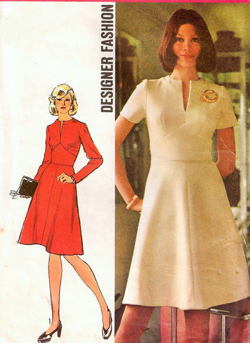 70s DESIGNER Midriff Dress Pattern SIMPLICITY 5789 Slit Neckline Flattering Flared Skirt Shaped Midriff Daytime or Evening Retro Dress Bust 38 Vintage Sewing Pattern FACTORY FOLDED