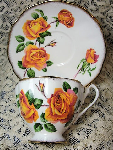 BEAUTIFUL Vintage Teacup and Saucer Queen Anne English Bone China Lush Peach Roses Anniversary Rose Vintage Cup and Saucer Tea Time China Collectible Cups and Saucers
