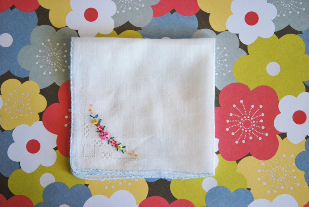 1930s Sweet Vintage Embroidered Hanky Hankie Handkerchief