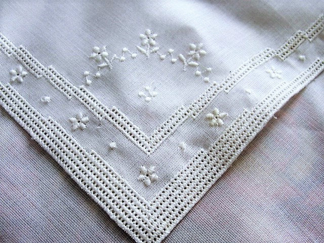 1920s BEAUTIFUL Vintage Fine Hand Embroidered Hankie Handkerchief White Work Embroidery Wedding Bridal Bridesmaids Special Hanky
