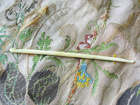 LOVELY Antique Elegant Carved Bone Double Crochet Hook, Each End has a Carved Hook ,Antique Needle Work Tool Collectible Crochet Tool