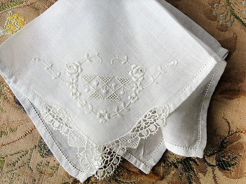 30s VINTAGE Hand Embroidered Hankie Handkerchief White Work Embroidery FRENCH Lace Corner Wedding Bridal Bridesmaids Special Wedding Hanky