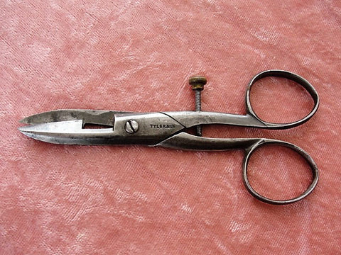 BEAUTIFUL Antique Button Hole Scissors, Tyler and Co, Victorian Sewing Scissors, Collectible Vintage Needlework Tools