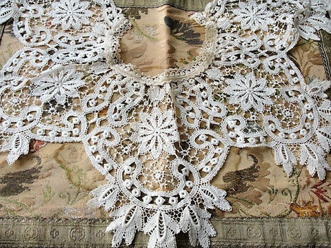 BEAUTIFUL Antique French Lace Collar, Dress Accessory Creamy White, Bertha Collar Perfect for Bridal Dress  Vintage Clothing Antique Lace