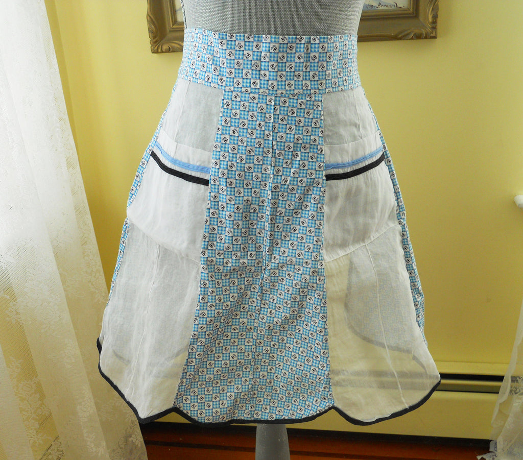 1940s Vintage Blue and White Kitchen Apron, Hostess Apron, Farmhouse decor, French Country, Home