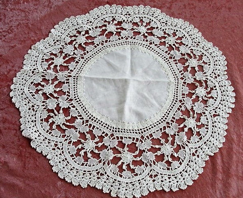 BEAUTIFUL Antique Cluny Wide Bobbin Lace Edge Linen Doily, Table Topper, Centerpiece, Decorative Vintage Linens Chateau Chic,Farmhouse Decor
