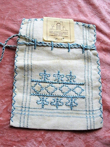 ARTS and CRAFTS Era Embroidered Purse Bag, Natural Linen Blue Embroidery Seed Bag Pouch,Saint Andrews Mission Embroidery,Collectible Linens