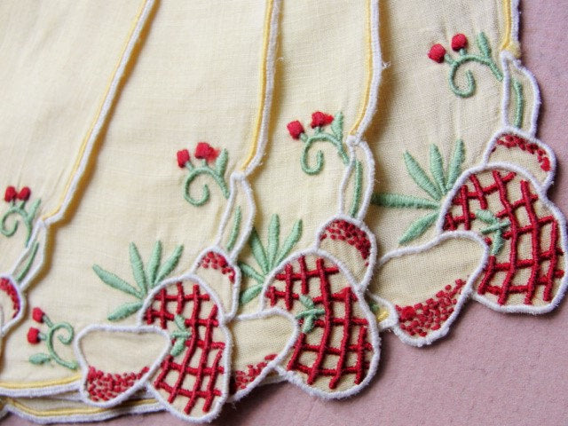 1950s MADEIRA Hand Embroidered Fun COCKTAIL Barwear Napkins Place Mats Sweet Strawberries Chic Cottage Mid Century Retro Linens Decor