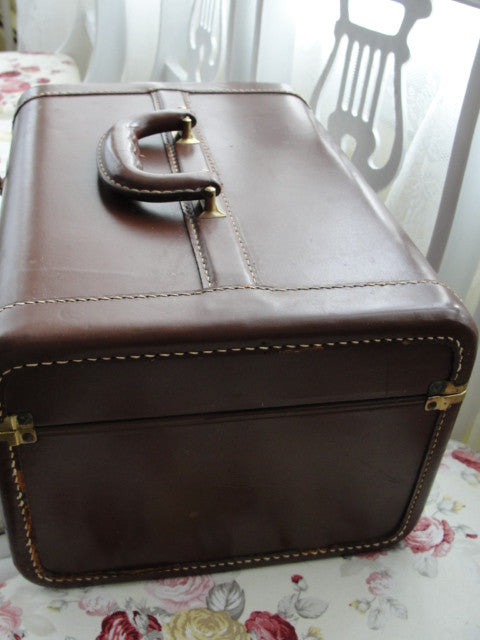 1940s High Quality Vintage LEATHER Train Case Luggage Vanity Overnight Case Cosmetic Case Suitcase Gold Bond Bennett Brothers Case