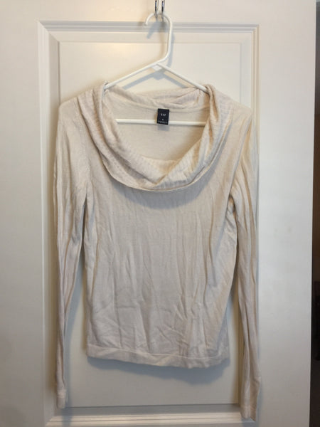 Get medium sweater Ivory