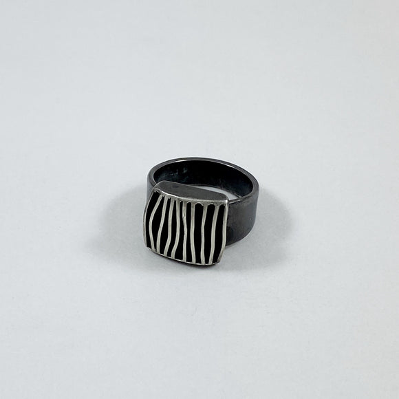 Monarch ring small