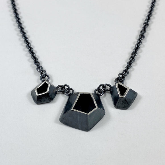 Faceted 3 necklace