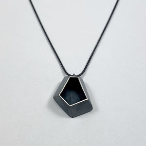 Faceted medium necklace 2
